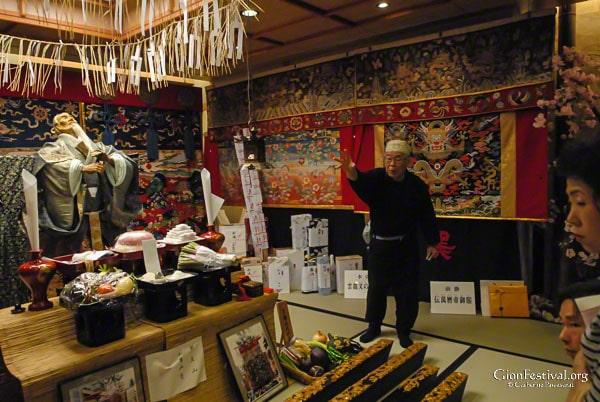kuronushi yama treasure display explanation gion festival kyoto japan